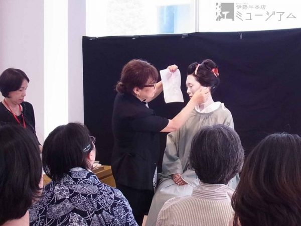 [受付終了] 4/20(土) 「江戸の化粧再現講座」~基本の白粉化粧編~