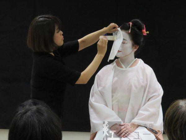 1月26日「江戸の化粧再現講座」~娘と年増の比較化粧~を開催しました