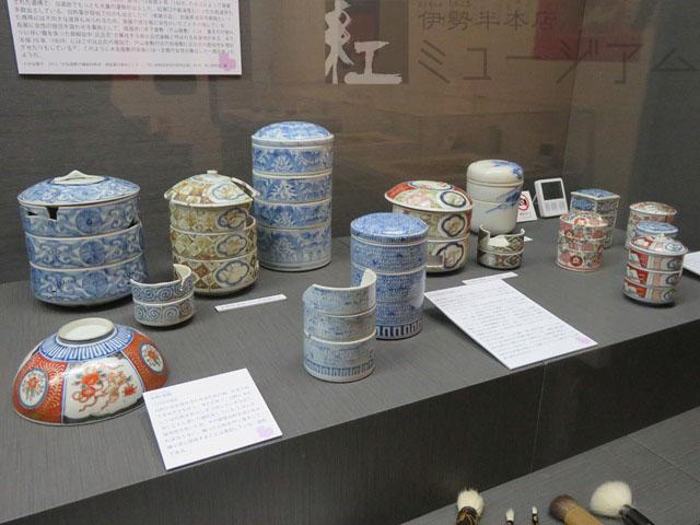3月2日~31日 期間限定ミニ展示「お江戸の便利メイクアップツール・白粉重」開催